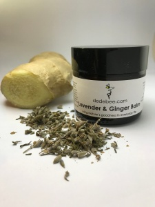 handmade natural moisturizing skincare aromatherapy with lavender essential oil