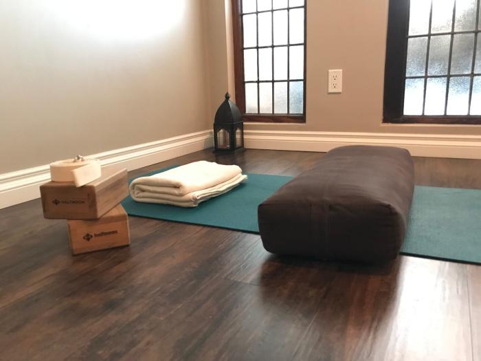 "<img src=""props"" alt=""private yoga toronto in home personal yoga"""